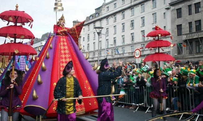 Parade de la Saint Patrick, à Dublin en 2011, Irlande © Escapades Celtique