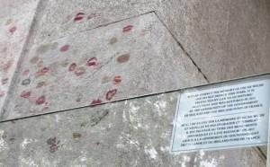 Tombe d'Ocar Wilde, bisous