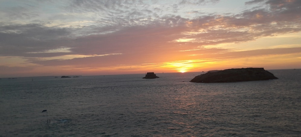 Coucher de soleil à Saint Malo © Escapades Celtiques