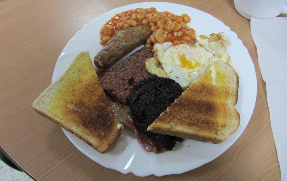 Irlande ou Ecossse - Pe petit dejeuner ecossais Légende Petit-déjeuner écossais à Stirling © Escapades Celtiques